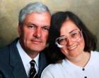 A férj elültet 1000 fát halott felesége tiszteletére. 17 évvel később egy légifelvétel leplezi le igazi indítékát: