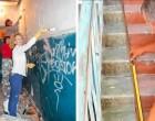 A ház lakói úgy döntöttek, hogy egy szép lépcsőházban akarnak élni, és ilyenné tették: