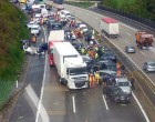 10 PERCE ÉRKEZETT: Súlyos baleset ! Közel 3 km-es a torlódás az autópályán 15 -20 perc az átjutási idő.!